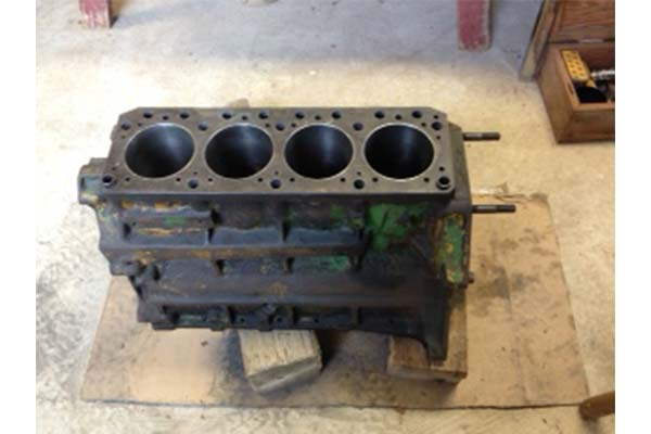 John Deere 2010 145 Crawler Engine Parts